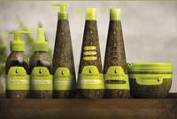 Macadamia naravnim oljem